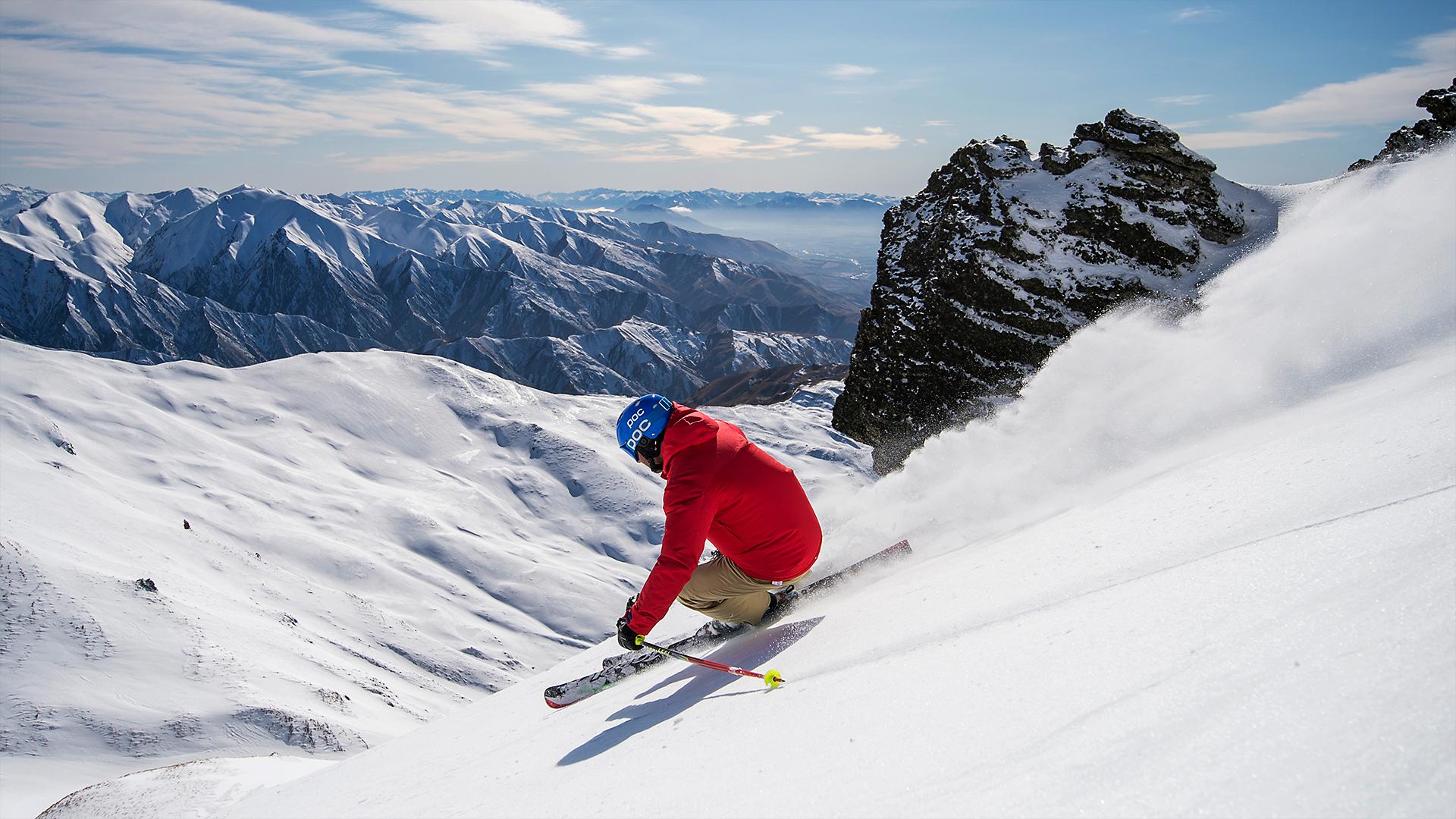 <p>Web&#8217;de gezinirken, geçen haftalarda Anadolu Ajansı muhabirlerine güneşli bir havada verdiğim kayak görüntüleriyle karşılaştım. </p>